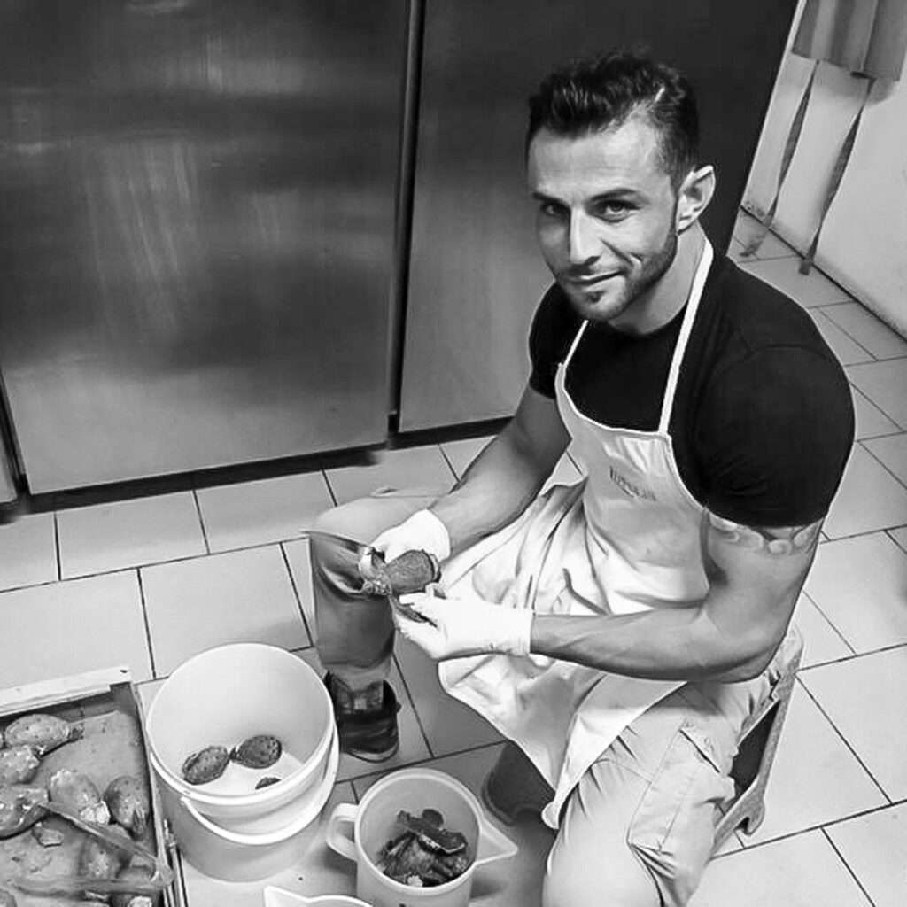 Stefano Baglieri Gelateria L'Artigianale Pozzallo maestro gelatiere